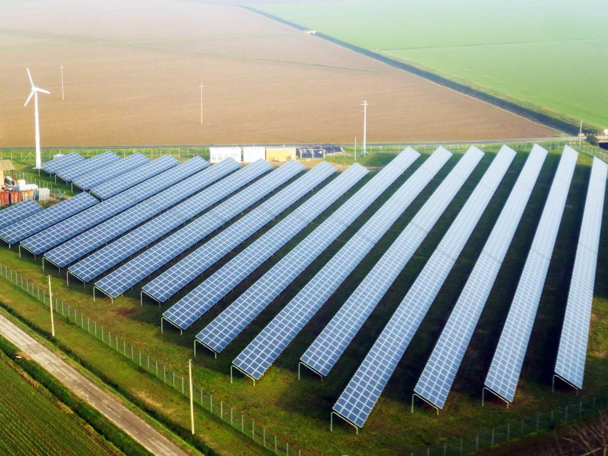 Immagine aerea di uno degli impianti fotovoltaici che gestivo, tutti gli impianti avevano potenza di 1MW.