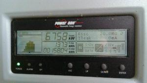 Display dove vengono visualizzate le informazioni base di un inverter di stringa