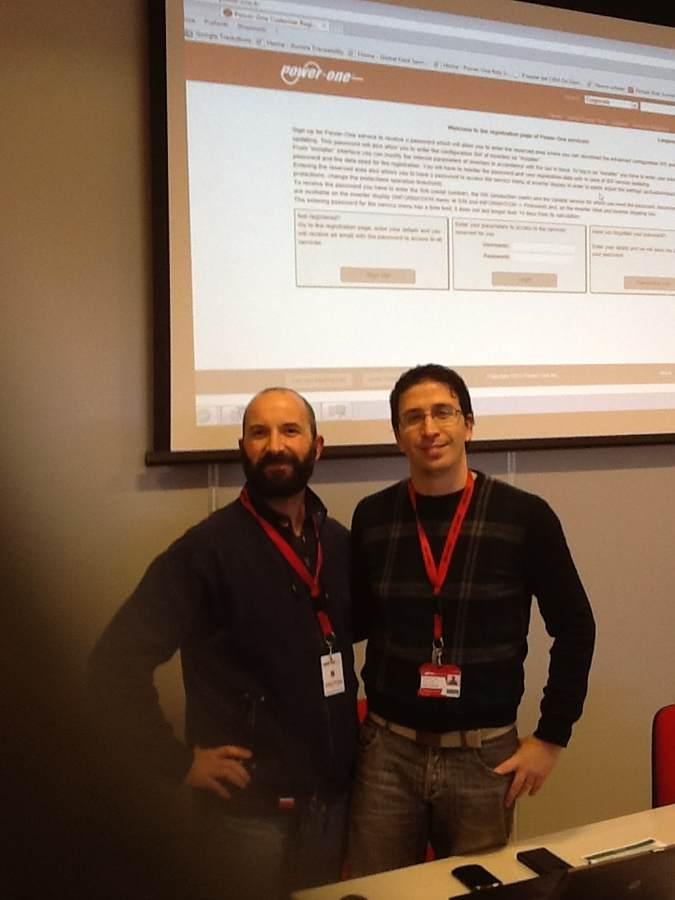 Io insieme ad uno degli insegnanti nell'aula a fine di uno dei vari corsi Power-One fatti ad Arezzo alla sede dell'azienda produttrice di inverter.