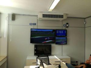 Saletta di fianco alla Control Room che permette di visionare l