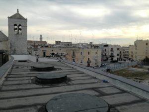 Lavori di manutenzione sui proiettori che illuminano la zona archeologica esterna di S.Scolastica