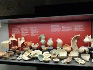 Reperti archeologici dentro la Teca della sala 3
