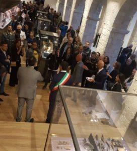 Sindaco  di Bari durante l'inaugurazione, qua siamo nella sala 3