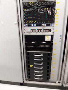 Visione dal davanti della regia del sistema audio PA con controller BOSH sotto!  Da qui ci si collega ai vari rack nelle PGU area in giro per la pista e si trasmette e controlla il segnale audio.