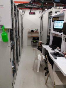 Altra foto dell'MDF2 con apparecchiature, pc e strumentazioni!